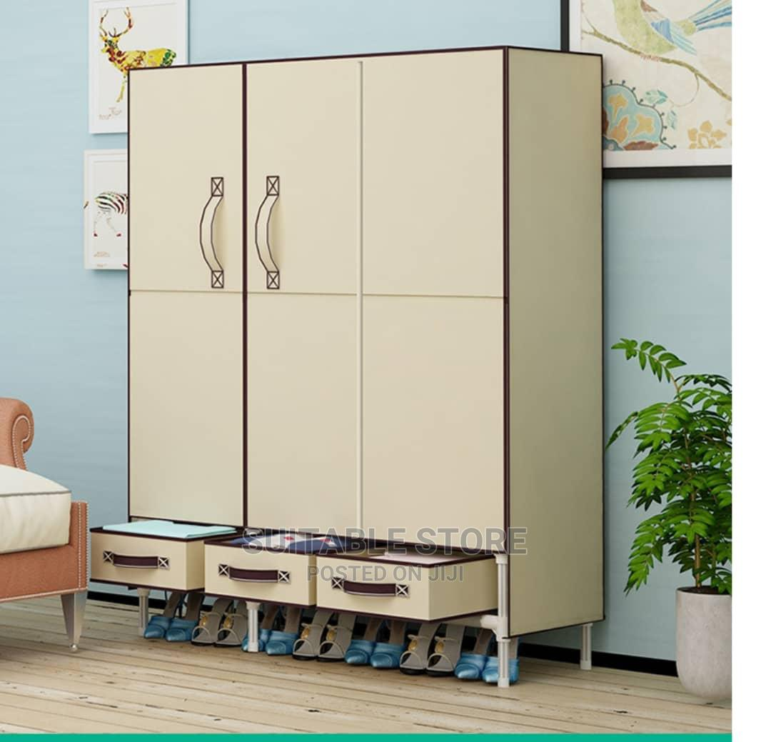 Mobile Wardrobe With 3 Drawers