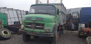 Tokunbo German Neatly Mercedes 1513 Truck 4x4 Front Auxilary | Trucks & Trailers for sale in Lagos State, Amuwo-Odofin