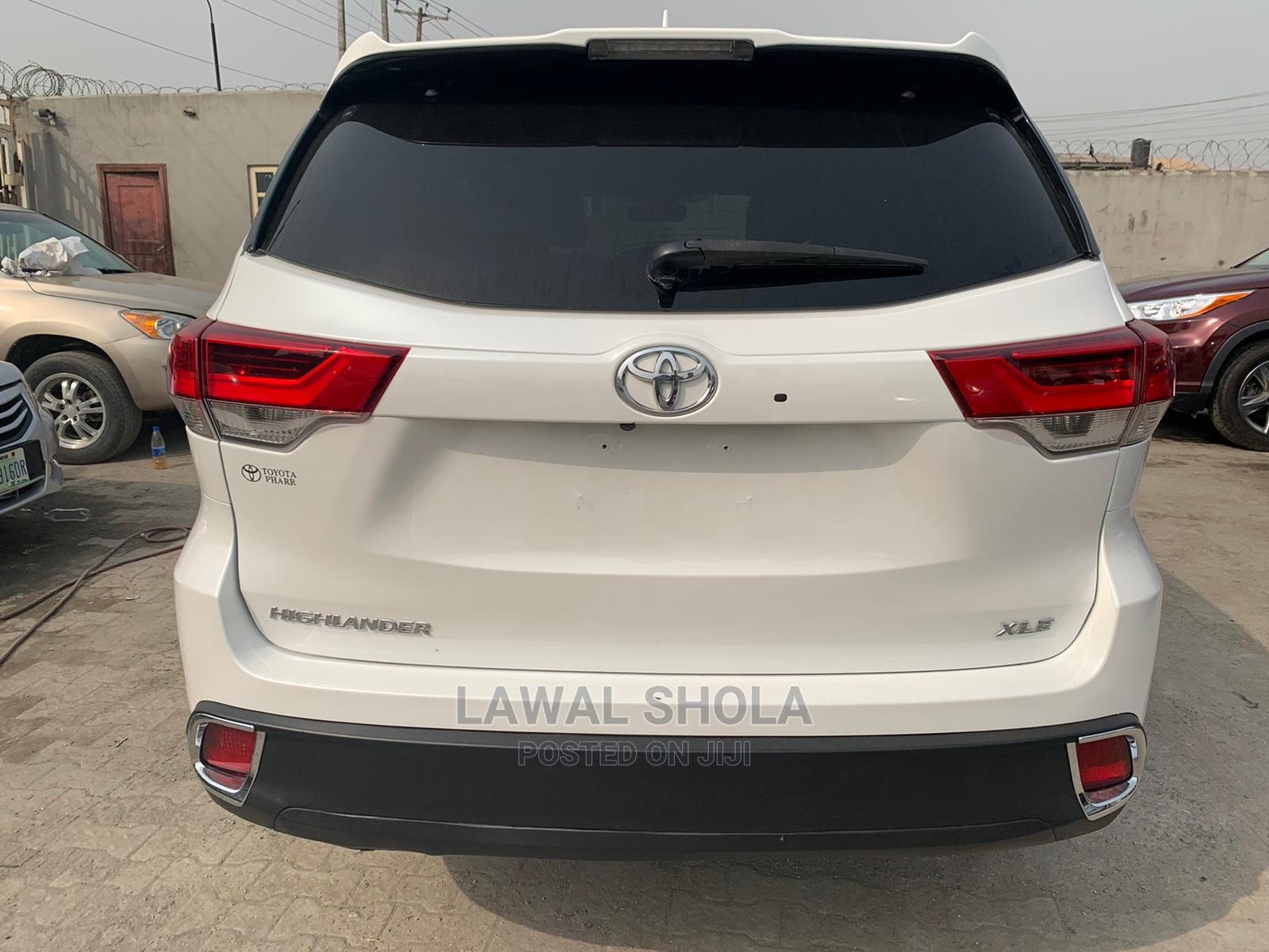Toyota Highlander 2018 White | Cars for sale in Surulere, Lagos State, Nigeria