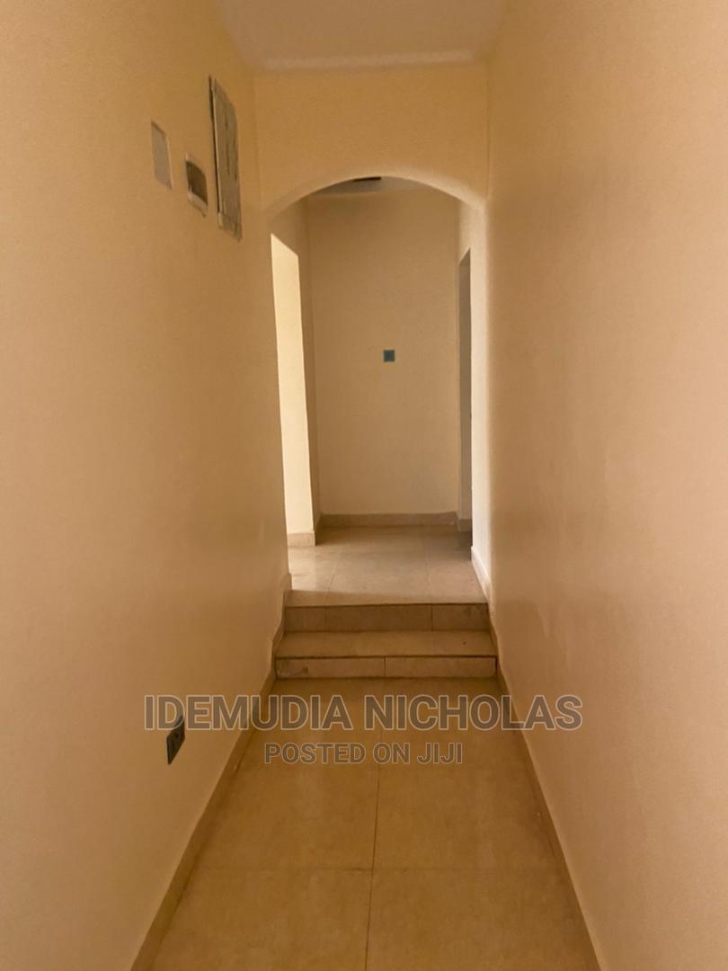 Archive: 3 Bedroom Semi Detached Bungalow 4rent