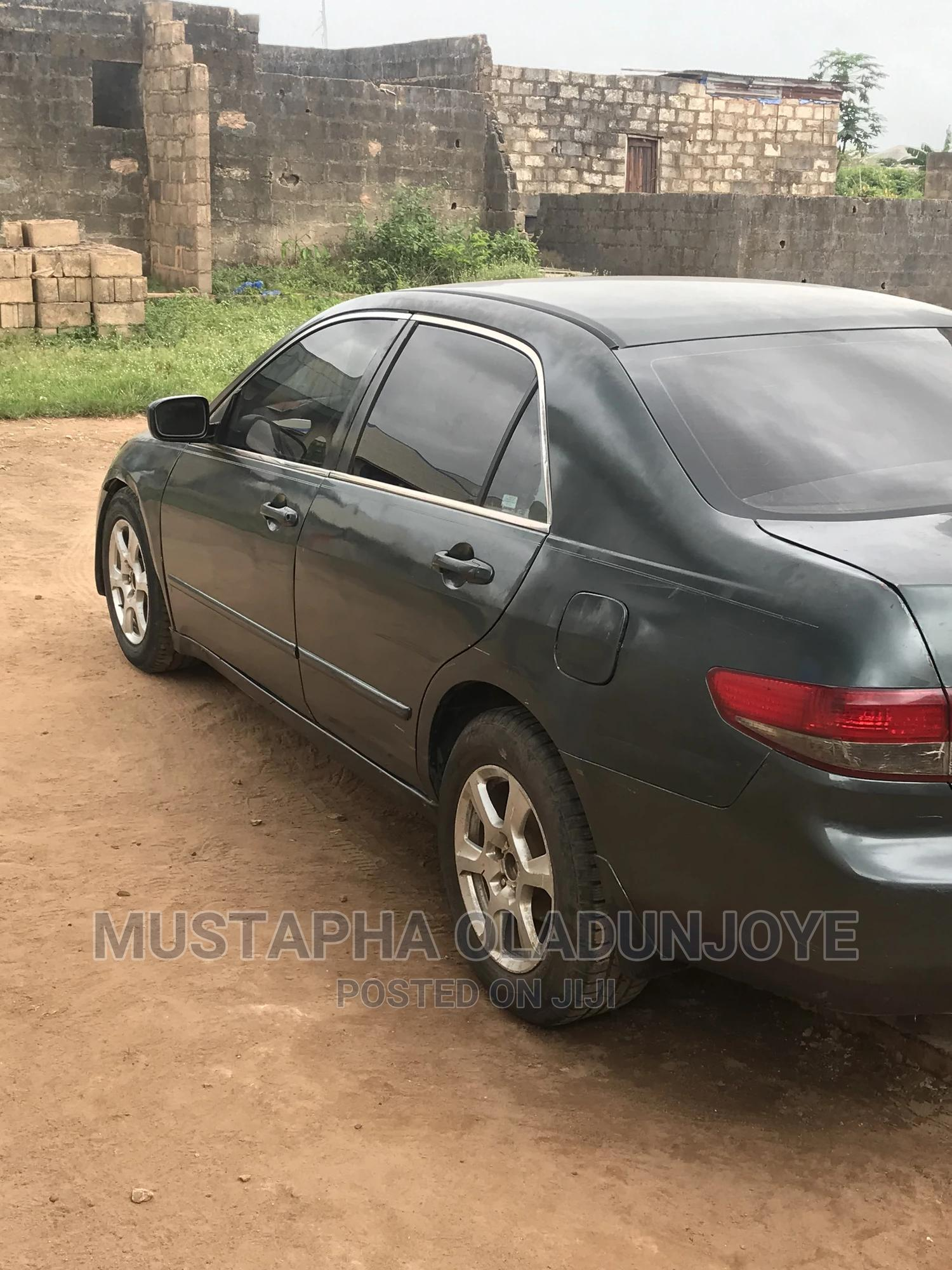Archive: Honda Accord 2004 Automatic Gray