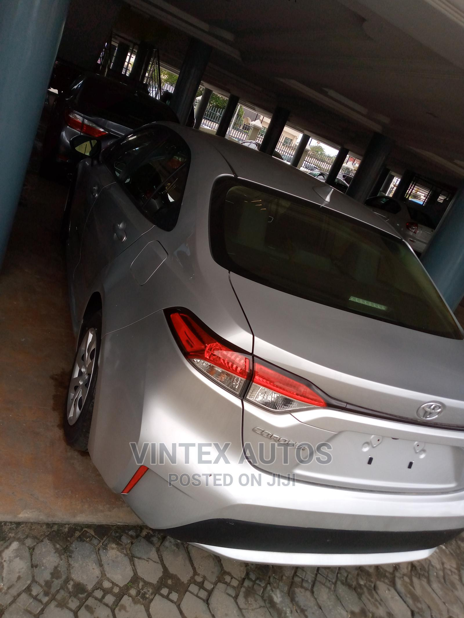 Toyota Corolla 2020 SE Silver   Cars for sale in Amuwo-Odofin, Lagos State, Nigeria