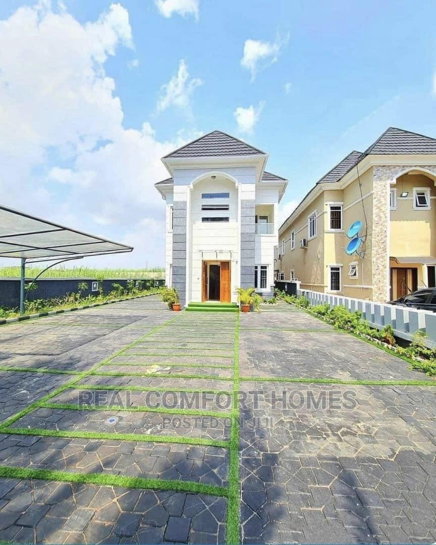 Luxury Spacious 5 Bedroom Fully Detached Duplex for Sale L