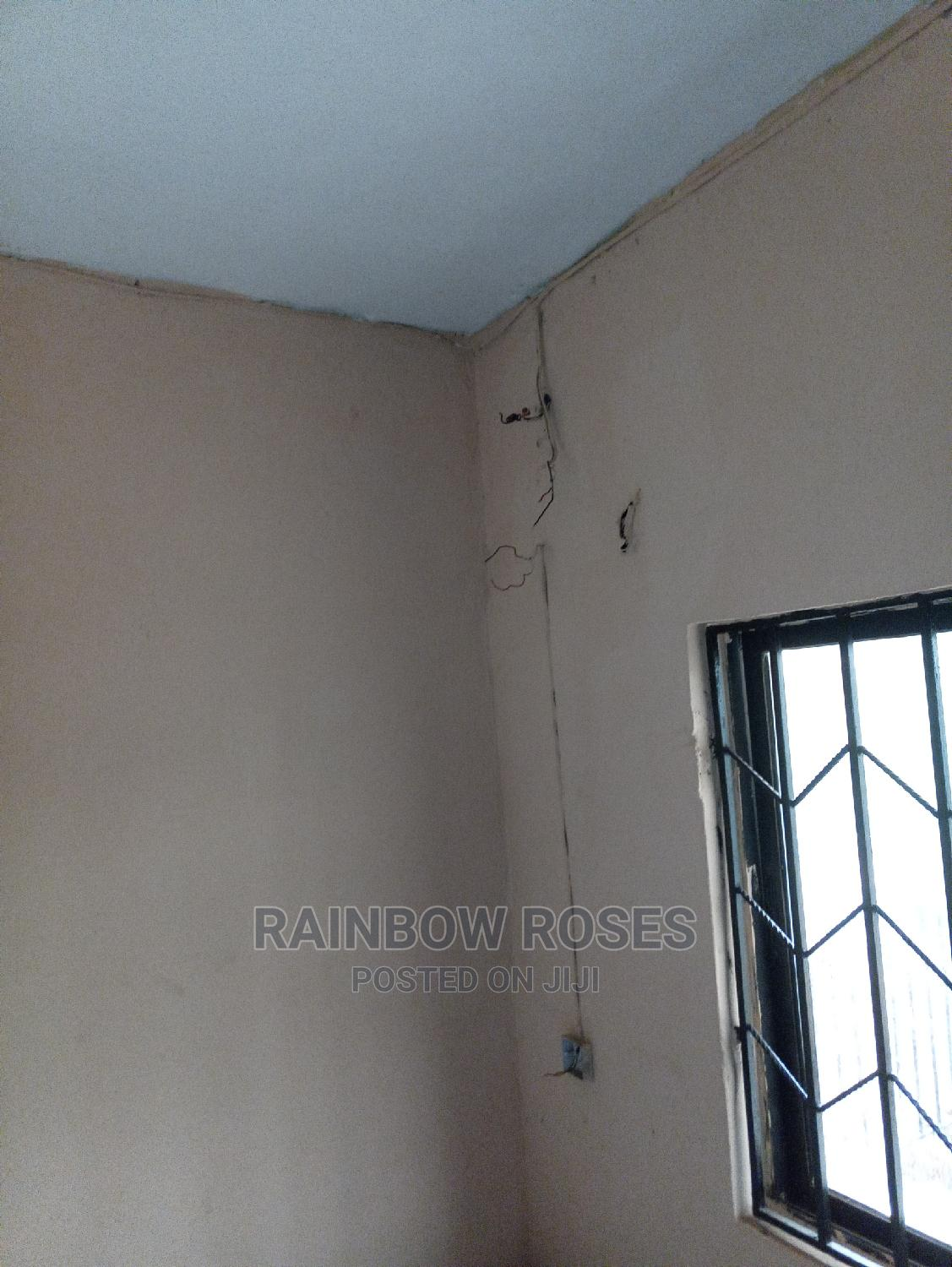 Standard Warehouse/Room or Office for Rent | Commercial Property For Rent for sale in Owerri, Imo State, Nigeria