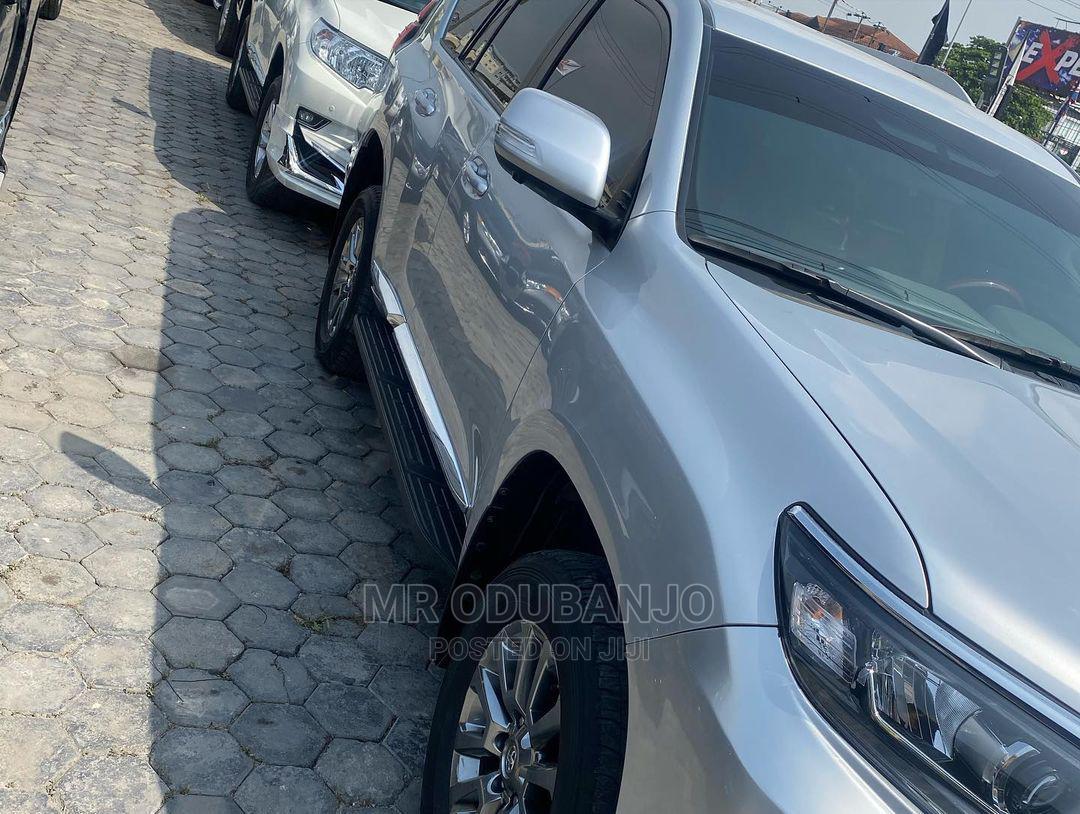 Archive: Toyota Land Cruiser Prado 2019 Silver