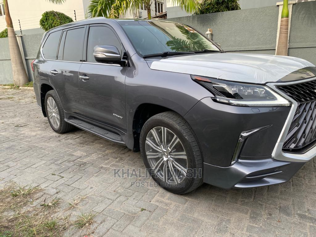Lexus LX 2016 570 Base Gray