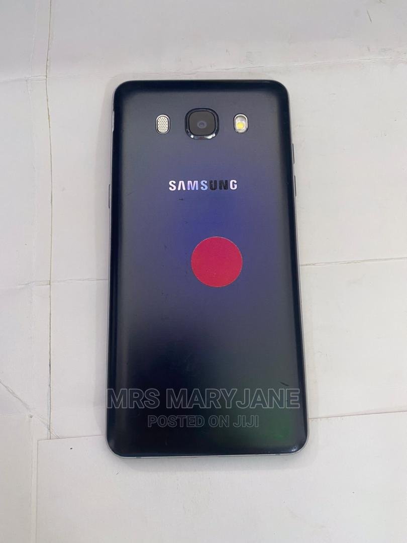 Archive: Samsung Galaxy J5 8 GB Black