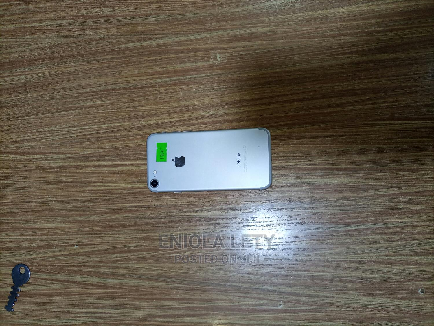 Archive: Apple iPhone 7 128 GB White