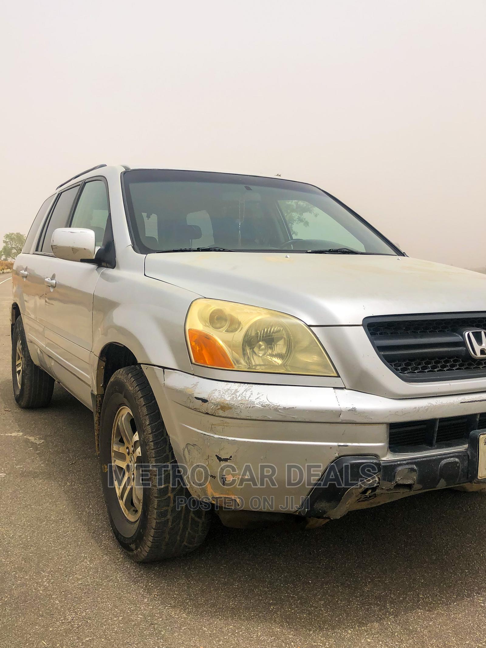 Archive: Honda Pilot 2005 LX 4x4 (3.5L 6cyl 5A) Silver