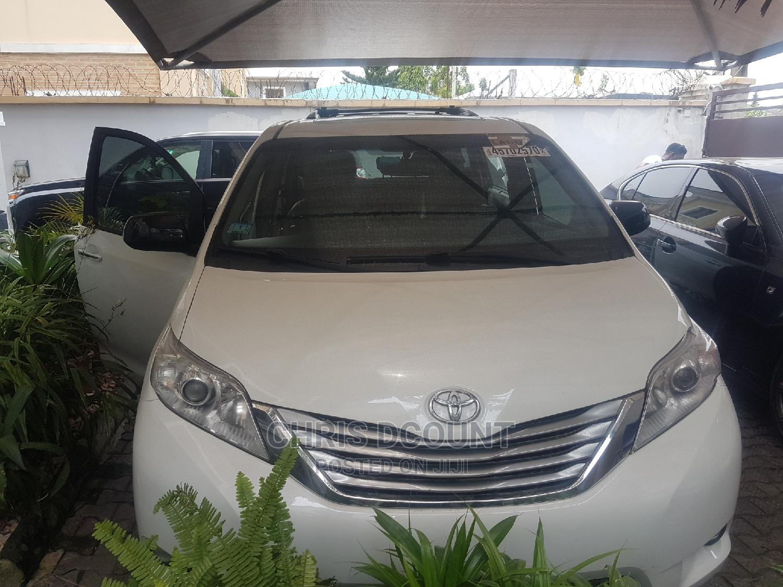Toyota Sienna 2015 White