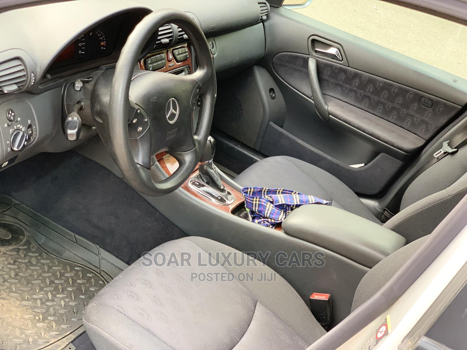 Archive: Mercedes-Benz C180 2004 Silver