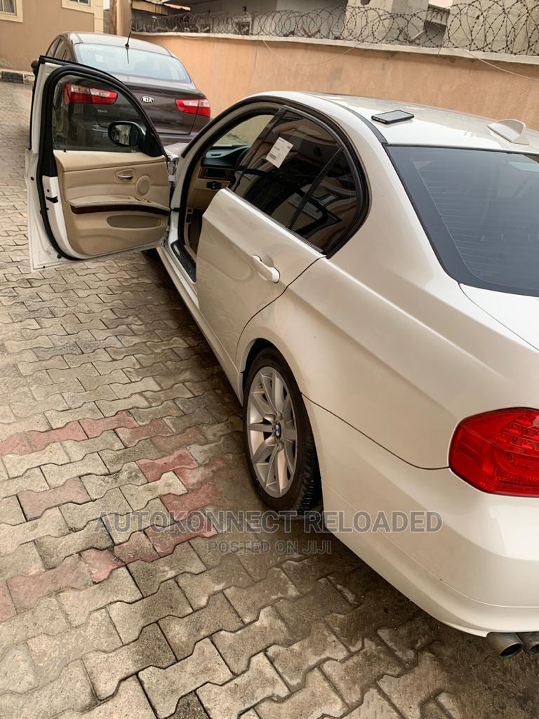 Archive: BMW 328i 2009 White