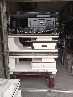 4 Fit Imported Tv Shelf   Furniture for sale in Lagos State, Lagos Island (Eko)