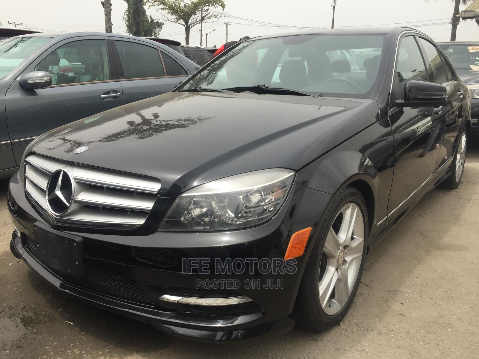 Mercedes-Benz C300 2010 Black
