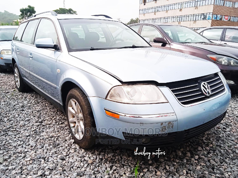 Volkswagen Passat 2003 Blue