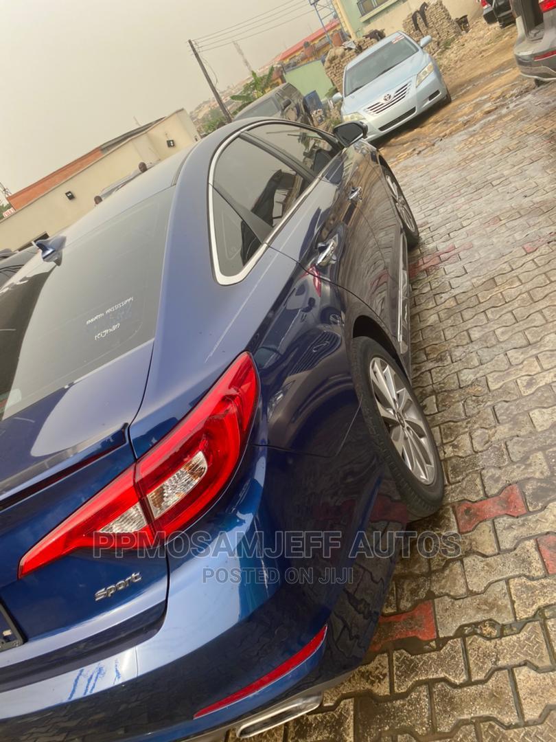 Archive: Hyundai Sonata 2015 Blue