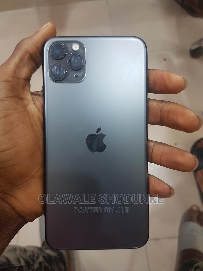 Archive: Apple iPhone 11 Pro Max 64 GB Black