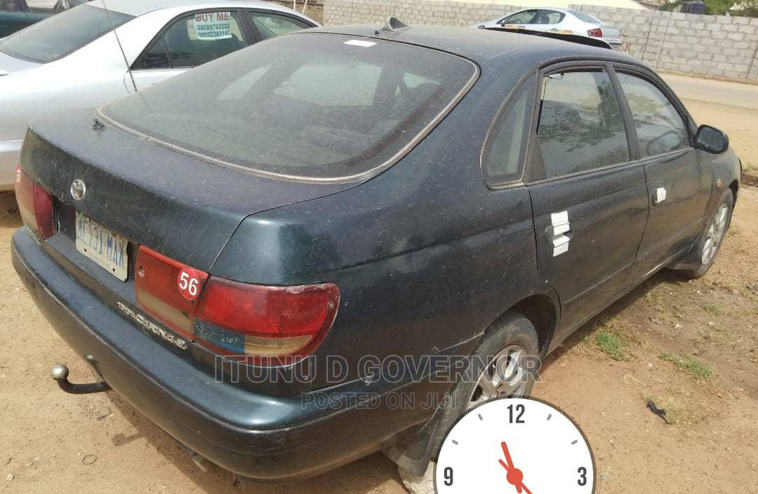 Archive: Toyota Carina 1998 Blue