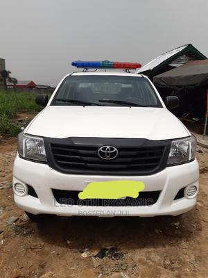 Toyota Hilux 2010 2.5 D-4d 4X4 SRX White | Cars for sale in Rivers State, Port-Harcourt