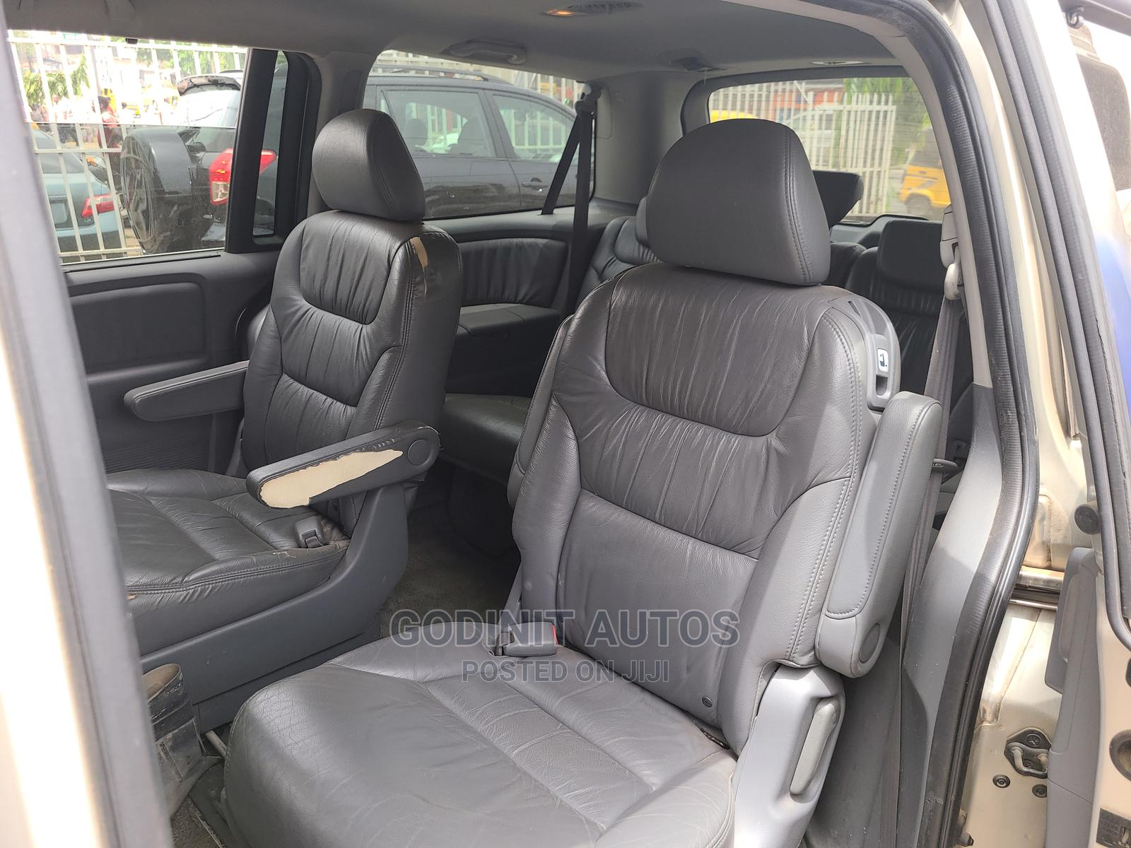 Archive: Honda Odyssey 2007 Touring Silver