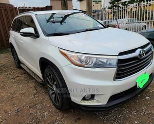 Toyota Highlander 2015 White   Cars for sale in Lagos State, Ikeja