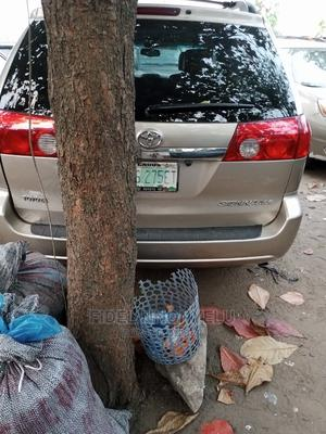 Toyota Sienna 2006 Gold   Cars for sale in Lagos State, Amuwo-Odofin