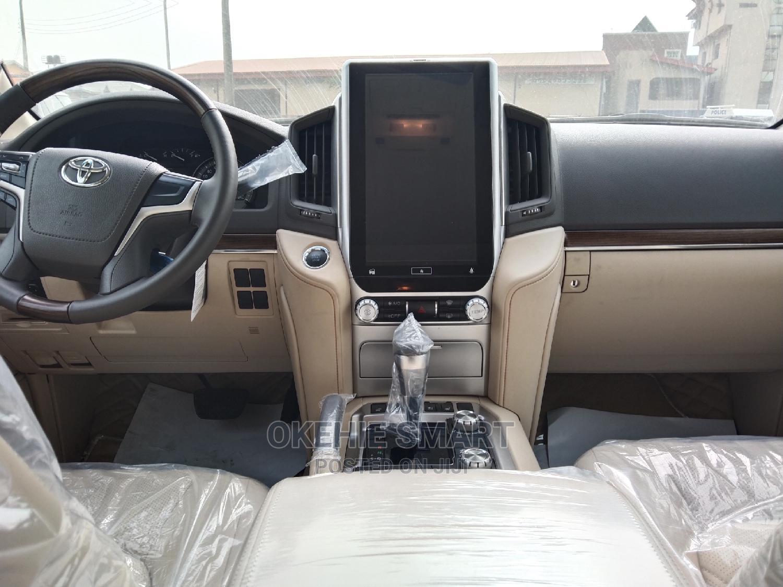 Archive: New Toyota Land Cruiser 2020 4.0 V6 GXR White