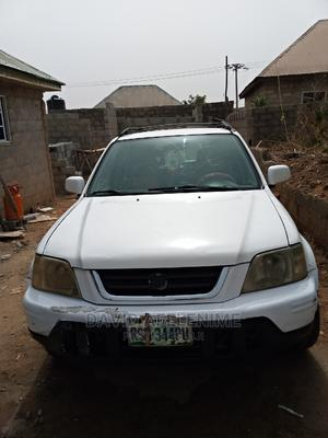 Honda CR-V 2001 2.0 4WD Automatic White   Cars for sale in Abuja (FCT) State, Wuse