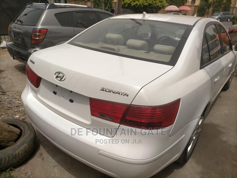 Hyundai Sonata 2010 White