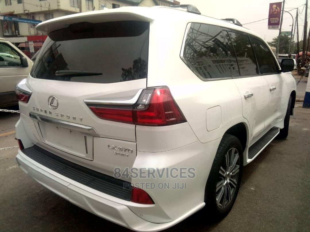 Archive: Lexus LX 2016 570 Base White