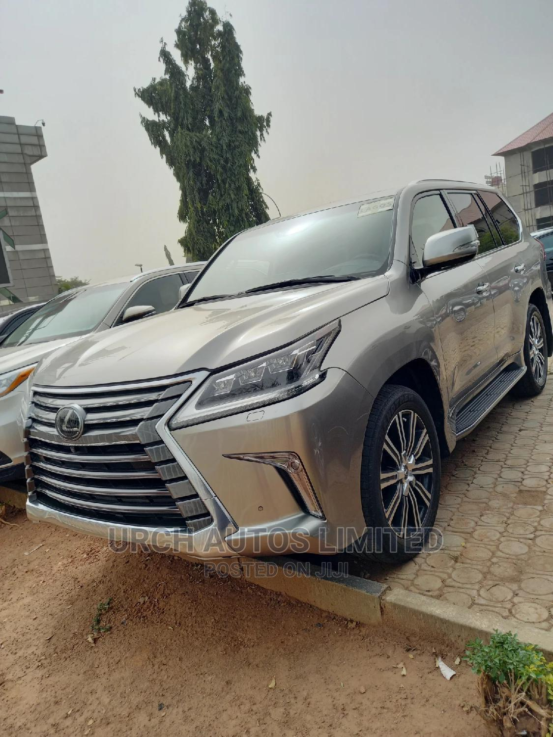 Lexus LX 2018 570 Three-Row Gold