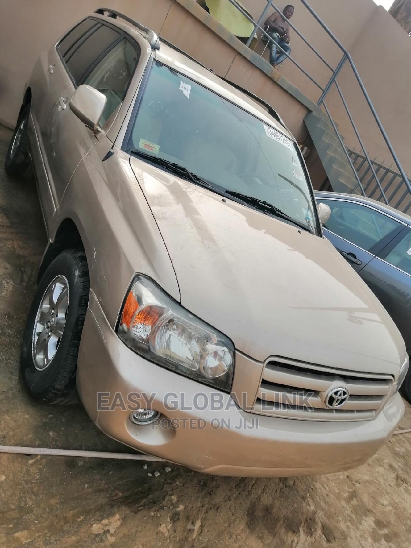 Toyota Highlander 2004 Limited V6 FWD Gold | Cars for sale in Ojodu, Lagos State, Nigeria