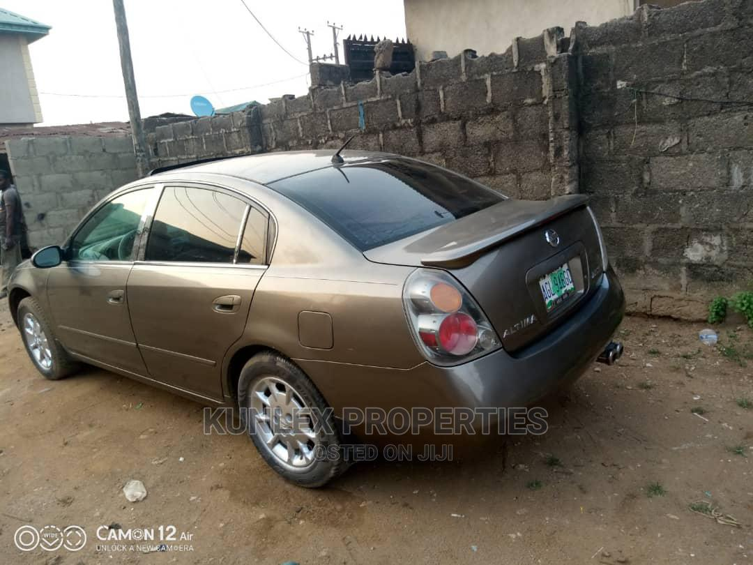 Nissan Altima 2005 2.5 Gray   Cars for sale in Abule Egba, Lagos State, Nigeria