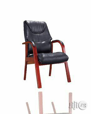 Frame Padded Arm Executive Chair- Black   Furniture for sale in Lagos State, Yaba