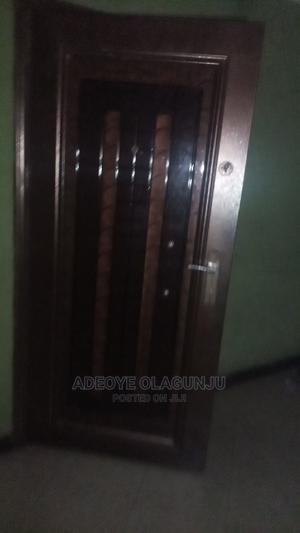 Executive 3 Bedroom Flat At Otun Oba Itire Surulere To Let   Houses & Apartments For Rent for sale in Lagos State, Surulere