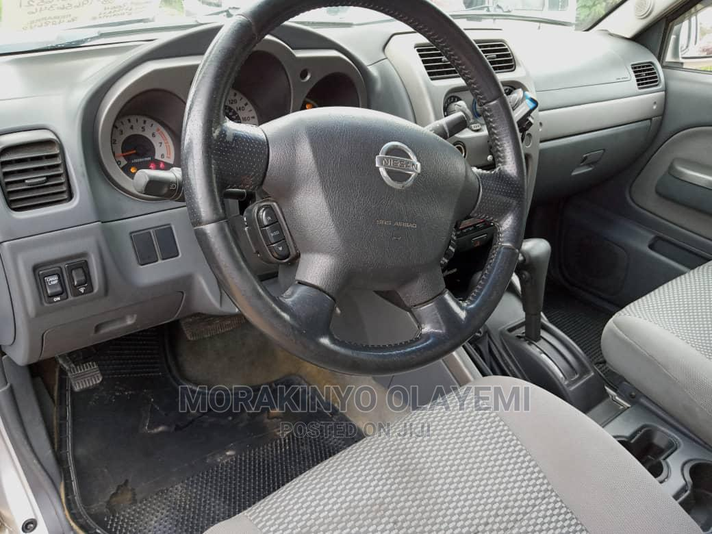 Archive: Nissan Frontier 2003 Brown
