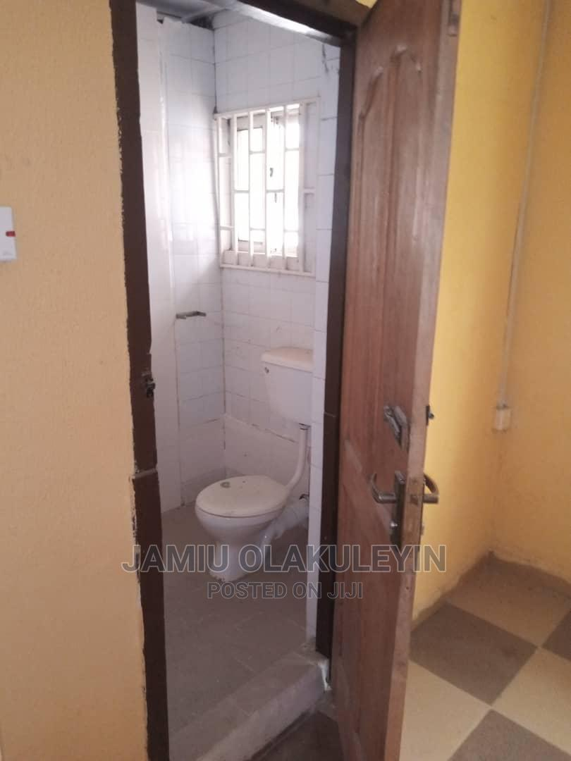 Archive: A Very Neat 5 Bedroom Flat for Sale
