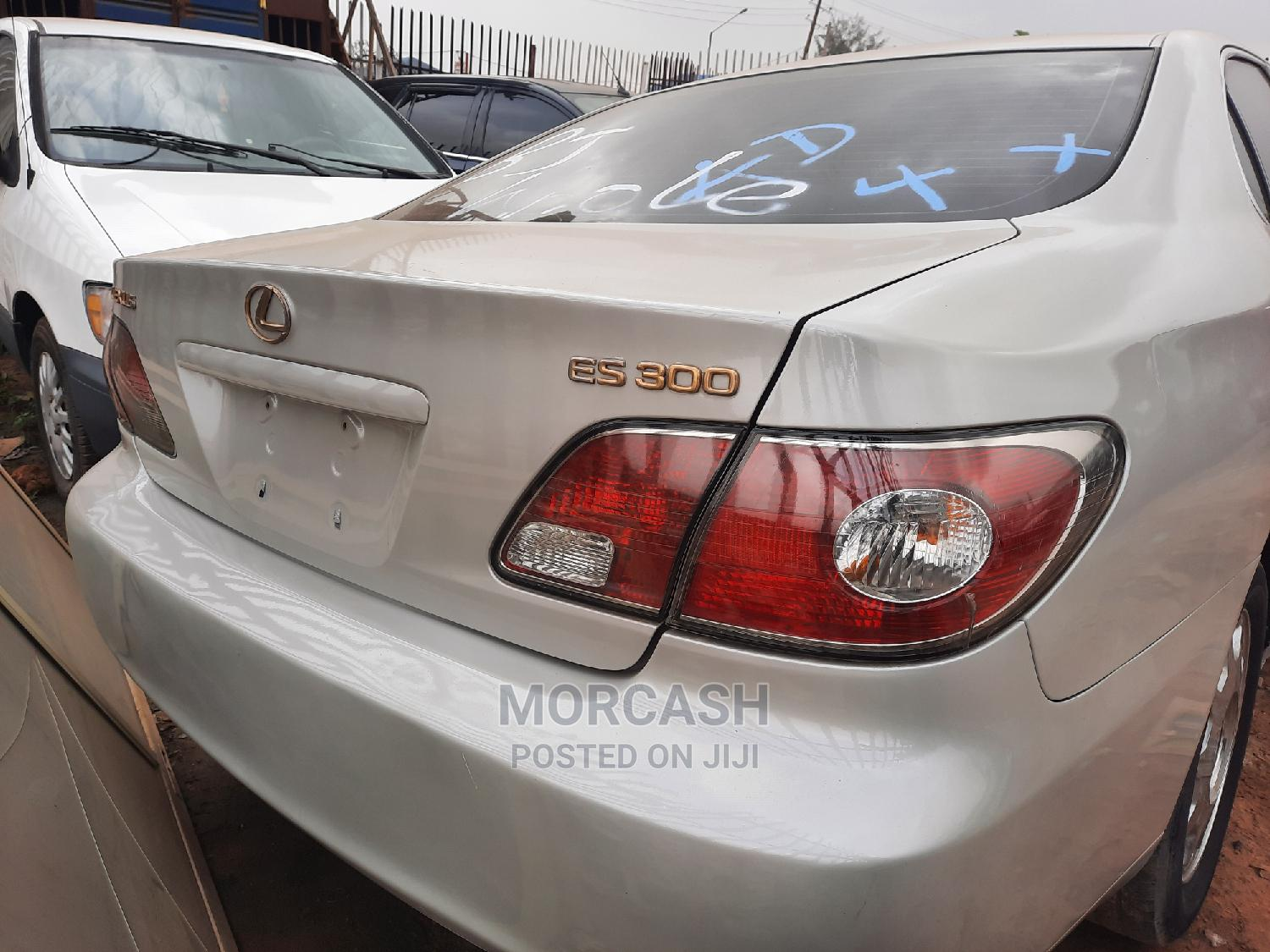 Lexus ES 2002 300 Silver | Cars for sale in Isolo, Lagos State, Nigeria