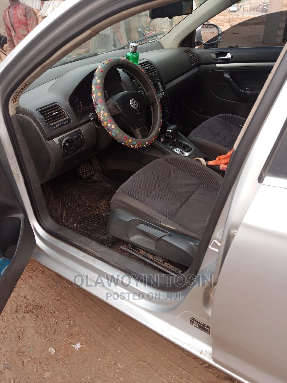 Archive: Volkswagen Jetta 2007 1.6 Automatic Gray