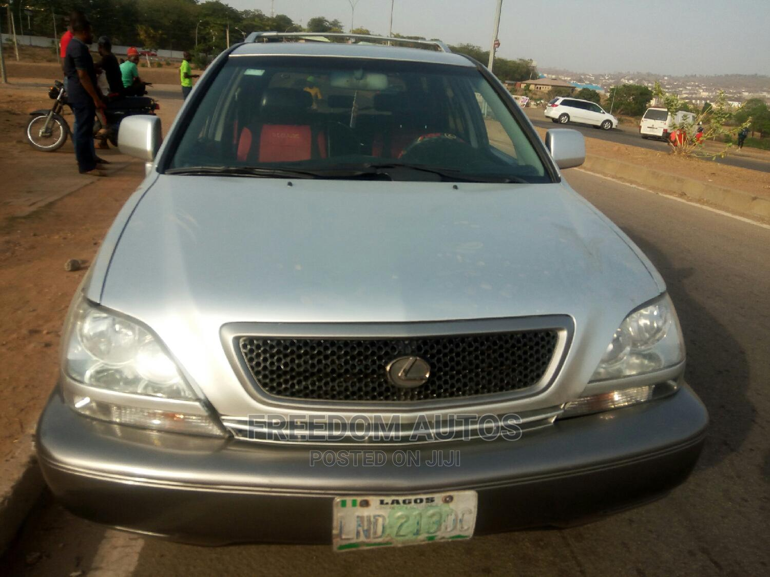Lexus RX 2005 Gold | Cars for sale in Asokoro, Abuja (FCT) State, Nigeria