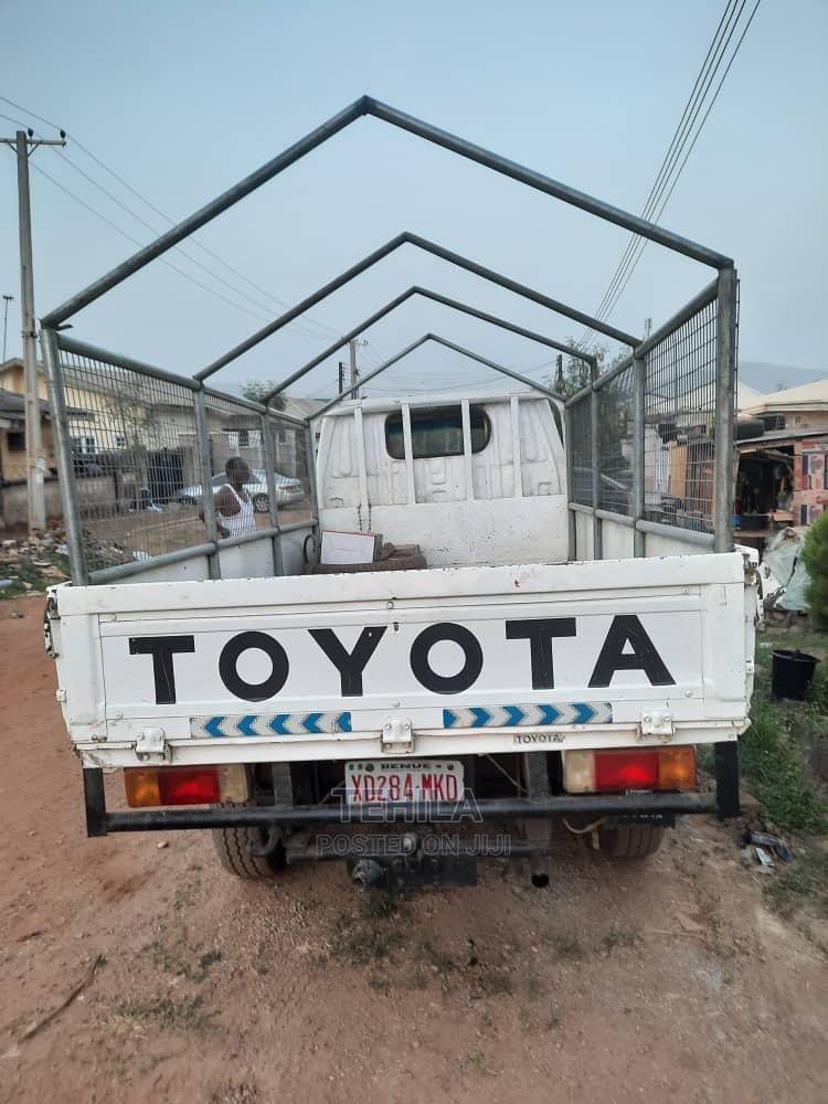 Toyota Dyna 2000 White   Trucks & Trailers for sale in Kubwa, Abuja (FCT) State, Nigeria