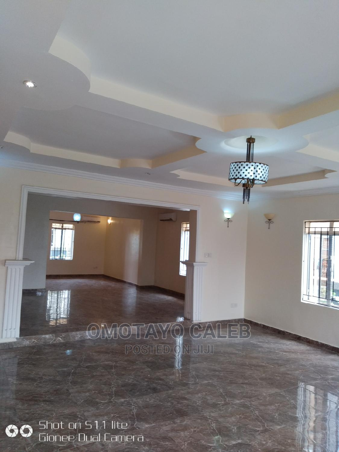 Luxuriously 5 Bedrooms Detached Duplex With BQ | Houses & Apartments For Sale for sale in VGC / Ajah, Ajah, Nigeria