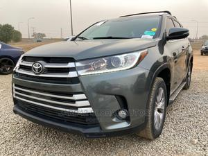 Toyota Highlander 2014 Gray | Cars for sale in Abuja (FCT) State, Lugbe District