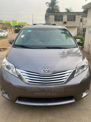 Toyota Sienna 2013 XLE FWD 8-Passenger Gray | Cars for sale in Lagos State, Ojodu