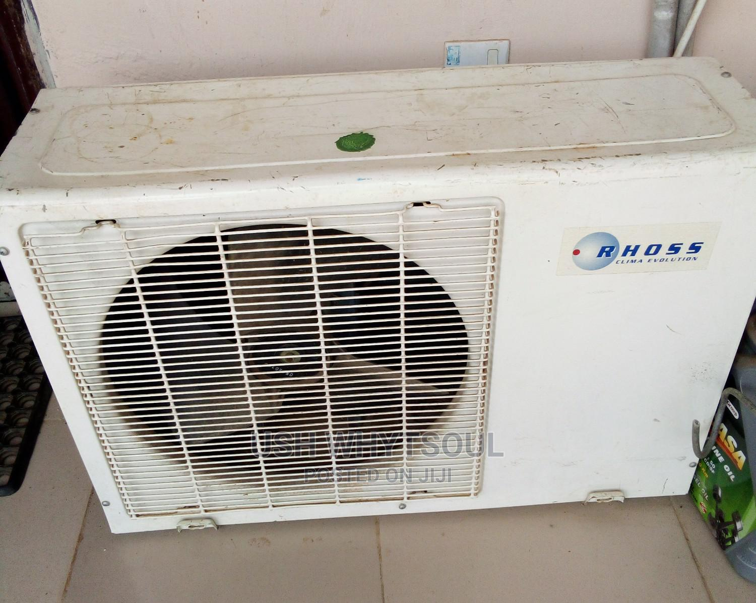 Fairly Used 1.5 Horse Power Air Conditioner | Home Appliances for sale in Ikorodu, Lagos State, Nigeria