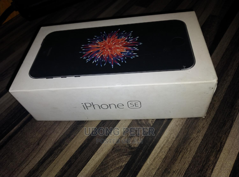 Archive: Apple iPhone SE 32 GB Gray