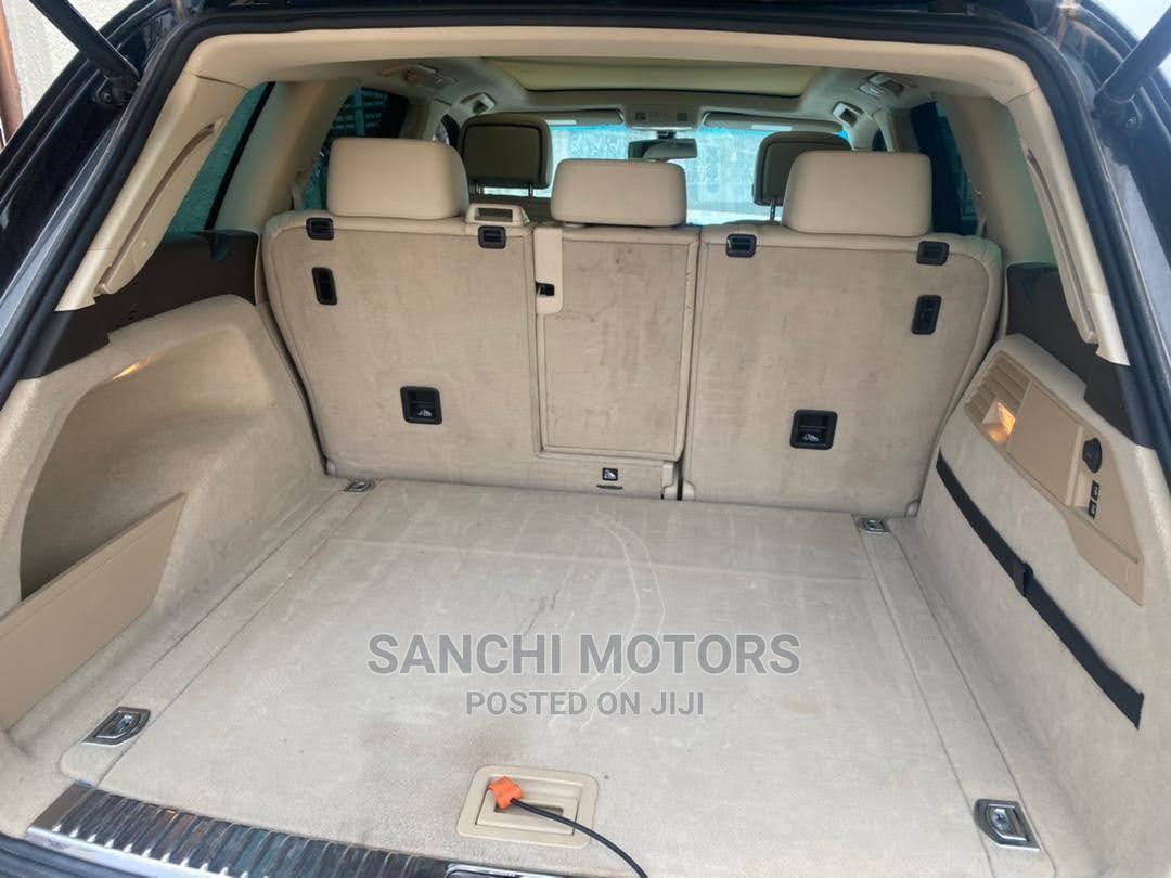 Archive: Volkswagen Touareg 2013 V6 Sport With Navigation Black