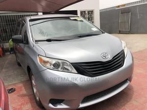 Toyota Sienna 2011 LE 7 Passenger Mobility Silver | Cars for sale in Lagos State, Amuwo-Odofin