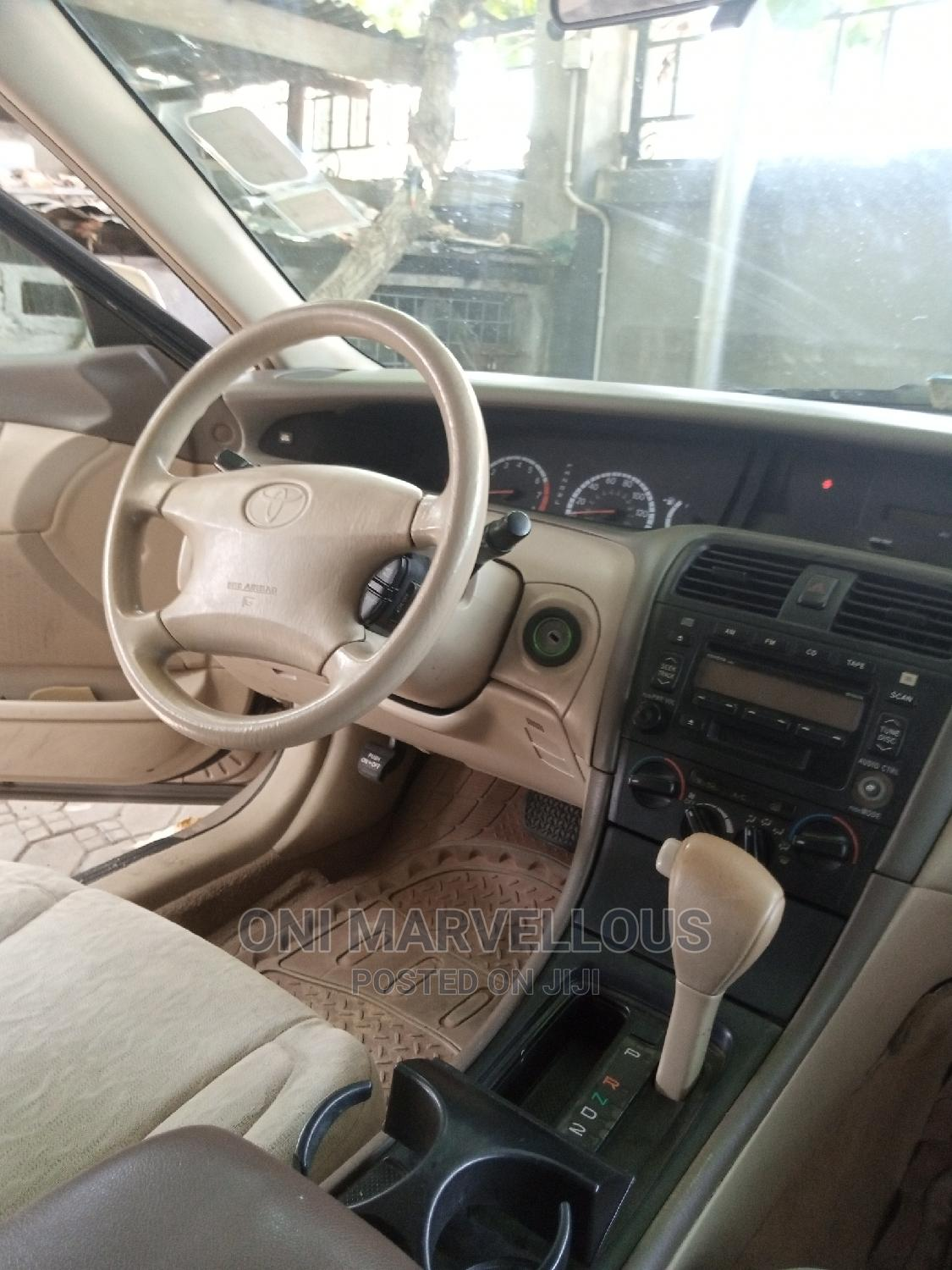Toyota Avalon 2001 Gold | Cars for sale in Ibeju, Lagos State, Nigeria