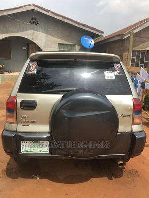 Toyota RAV4 2004 Automatic Gold | Cars for sale in Lagos State, Ikorodu